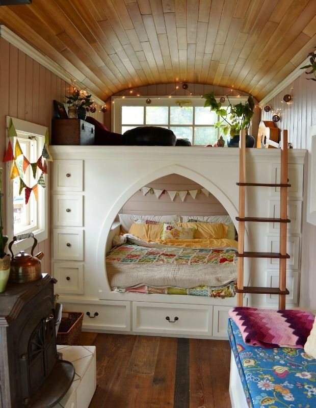 Mira Auto Sales >> Couple Turns Their Skoolie Into Incredible Cozy Home ...