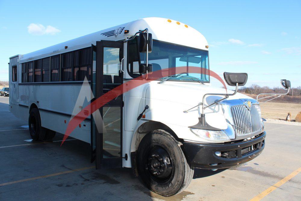 Shuttle Bus 2013 International CE 24 Passenger +1 Wheelchair – 2621