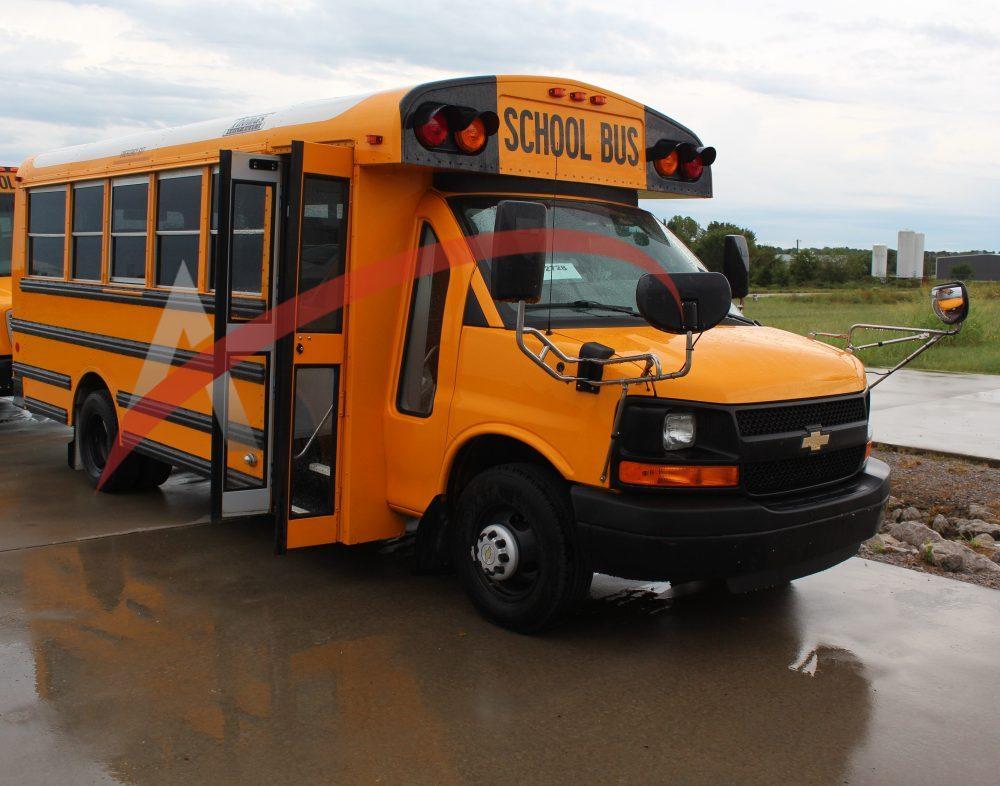 2017 Chevy Thomas Minotour 30 Passenger School Bus