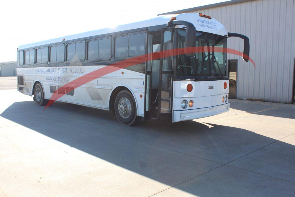 Coach Bus 2005 Thomas Saf-T-Liner HDX 45 Passenger – 2960