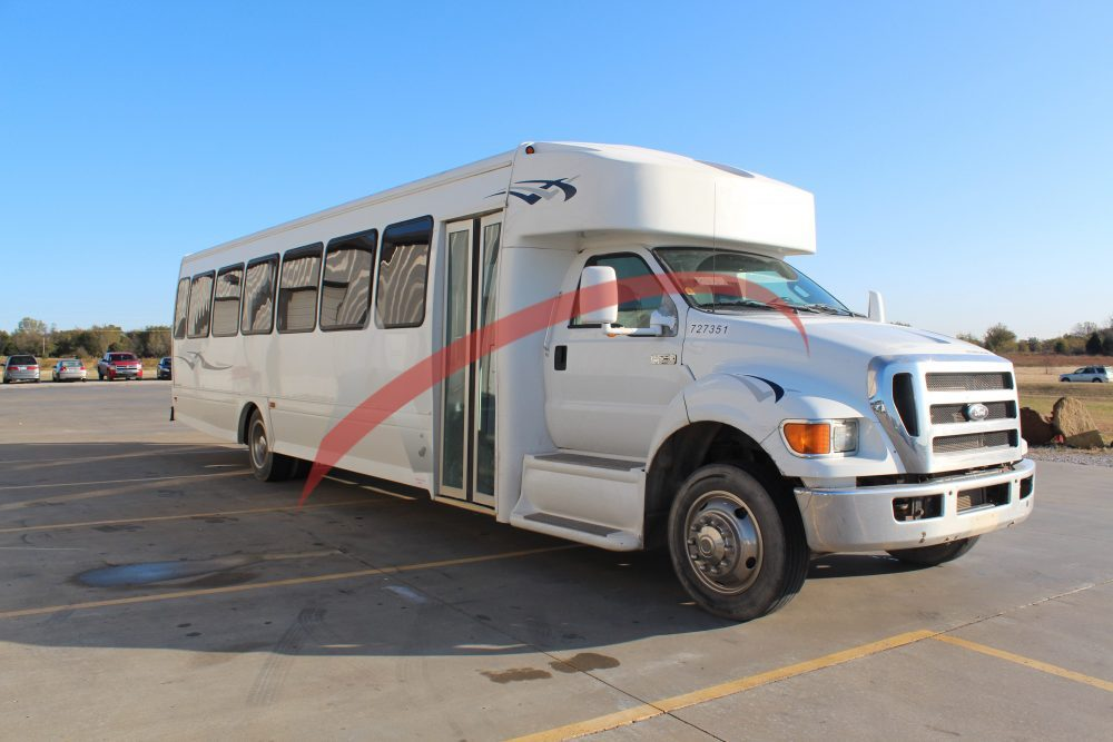 2015 Ford Starcraft 44 Passenger Coach Bus for Sale